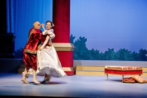 Anna & the King dance together in the Candlelight Dinner Playhouse's 2011 production of The King & I