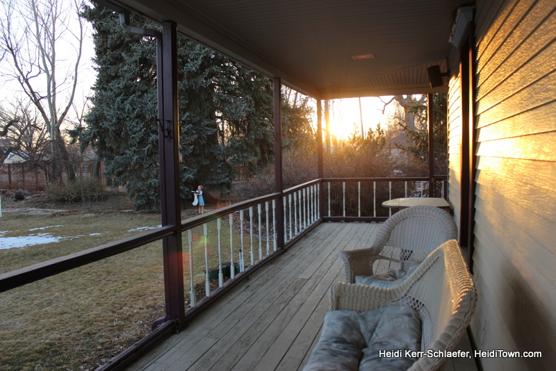 The sun setting on the Berthoud Inn HeidiTown