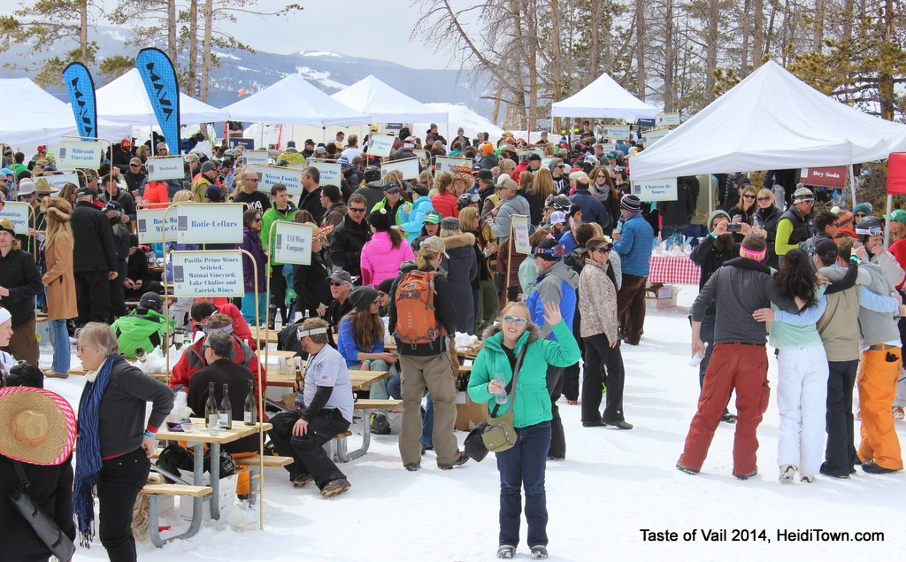 Mountain Top Picnic crowd shot Taste of Vail HeidiTown.com