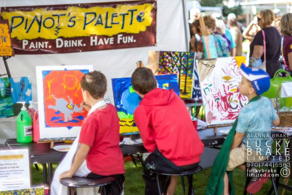 Little children painting at Art in the Park, photo by Lucky Brake Ltd. HeidiTown.com