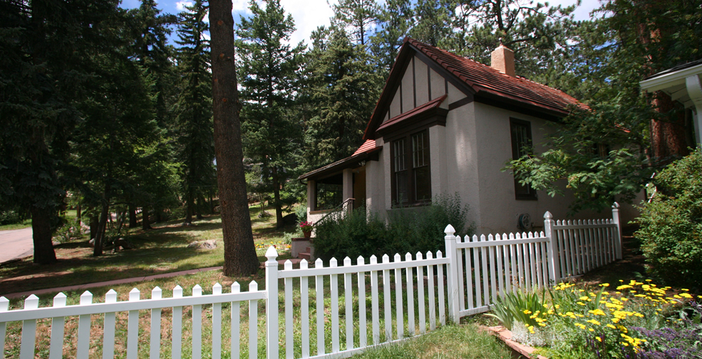 Two very different lodging options in the Colorado Springs area. Ramona Cottage in Cascade. HeidiTown.com