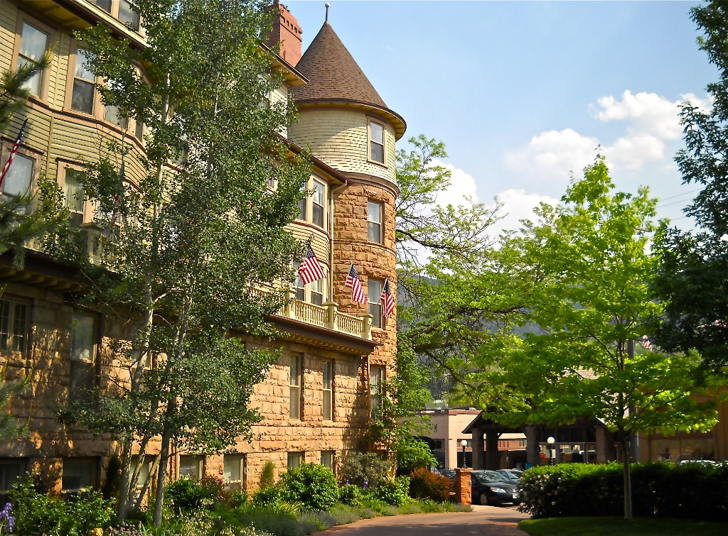 Two very different lodging options in the Colorado Springs area. The Cliff House in Manitou Springs. HeidiTown.com