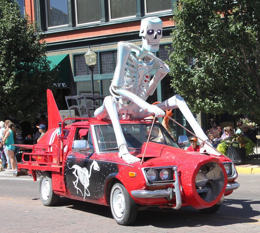 Featured Festival ArtoCade 2016 Trindiad Colorado. skeleton artcar. HeidiTown.com