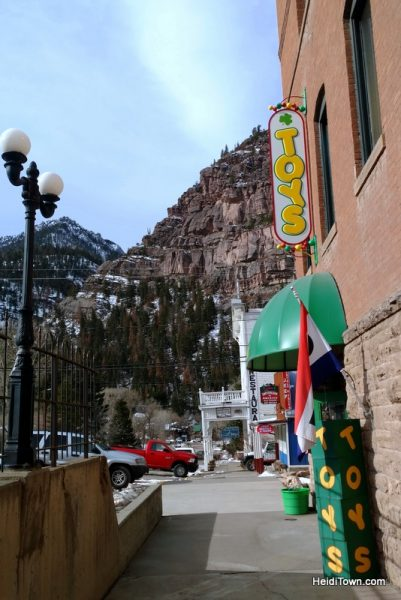 A Holiday Shopping Extravaganza in Ouray, Colorado. O'Toys, HeidiTown.com