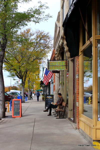 The Mayor Goes Shopping in Fort Collins, FNB, streetside shot