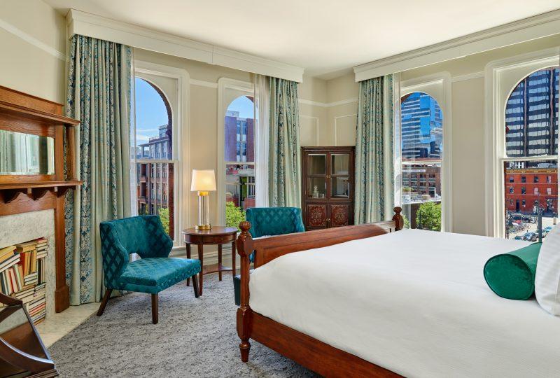Art & Luxury in Denver Her Paris & The Oxford Hotel. Photo credit Jason Dewey Photography