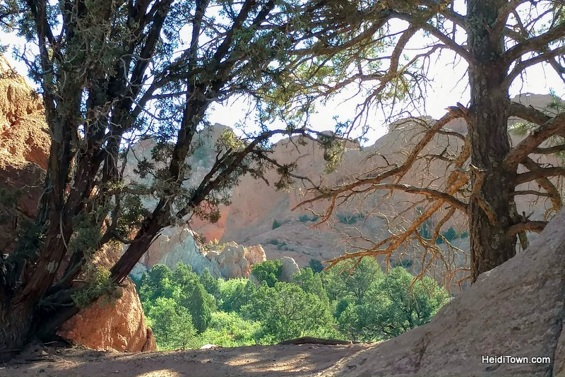 A visit to garden of the gods a free park in colorado springs heiditown for Garden of the gods hiking trails