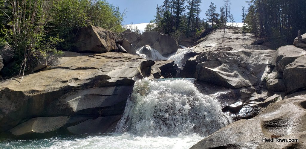 Short Colorado Hike, Big Rewards The Grottos Trail. HeidiTown (5)