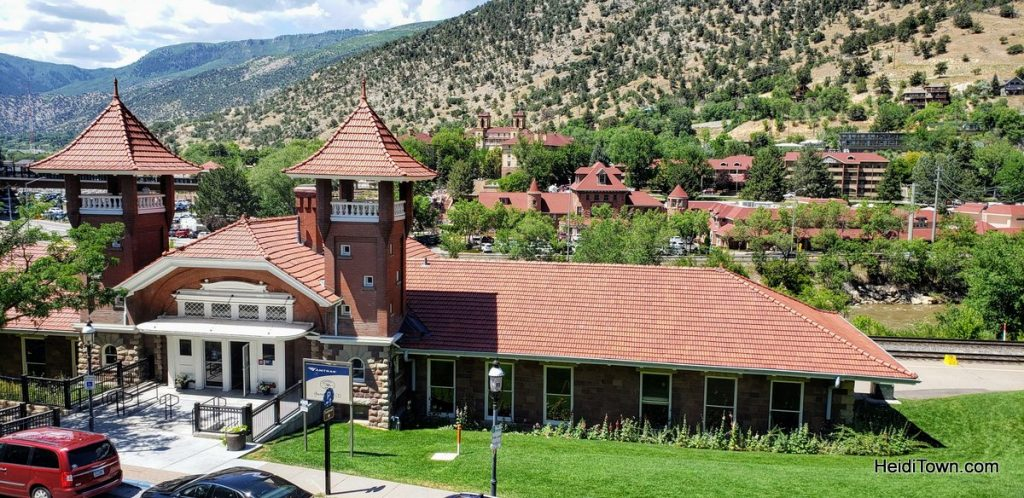 A Quick Trip to One Block of Glenwood Springs, Colorado. HeidiTown (1)