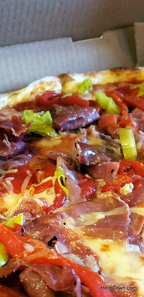 Dine in Estes Park BBQ, Buffets & Pizza, Pizza, Pizza. HeidiTown (11)