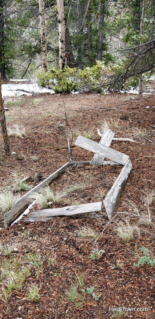 Old grave near Bonanza, San Luis Valley, Colorado. HeidiTown.com